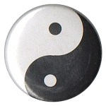 B104 - Yin Yang Black & White Button
