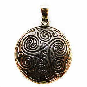 J121 - Sterling Celtic Shield Pendant